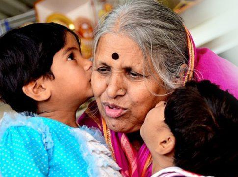 Sindhutai Sapkal, socialwork, orphaned kids, inspiration, Mother Of Orphans, life lessons, Maharashtra, Wardha, Amravati
